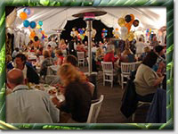 A banquet scene from Surf'N'Safari '04 (Photo by Rainer Mueller)